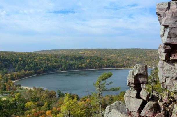 The Ho-Chunk legend says the cracked and jagged rocky surfaces of the bluffs surrounding Devil's Lake are from the battle between the Thunderbirds and Great Serpent