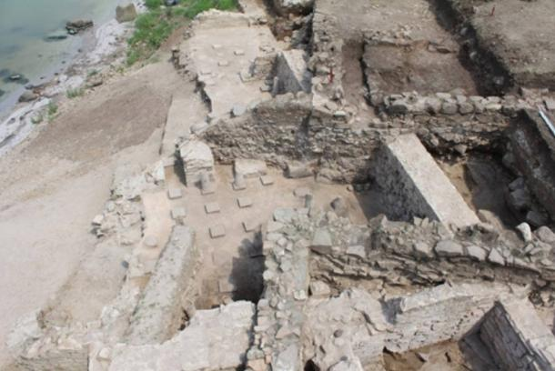 Dig site of a Roman villa at Burgos (Poros) dating to the third century A.D.