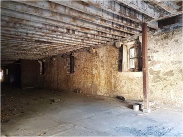 Dilapidated interior of the Labourdonnais Hospital. (Image: Courtesy of the author)