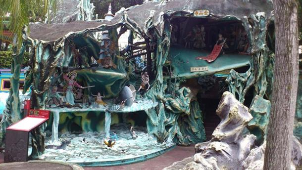 Diorama at Haw Par Villa, Singapore, depicting the battle between Bai Su Zhen and Fa Hai.