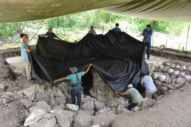 Recognizing the sensitive nature of their discovery, the archaeologists have now reburied the fully-restored sculpture, thereby guaranteeing its preservation. (INAH)