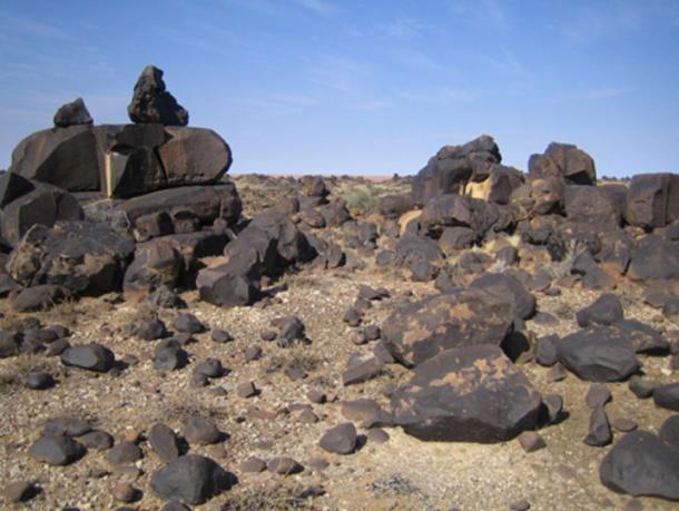 Dolerite rock formations in the so called Lost City of Kalahari. (MGA73bot2 / CC BY-SA 3.0)