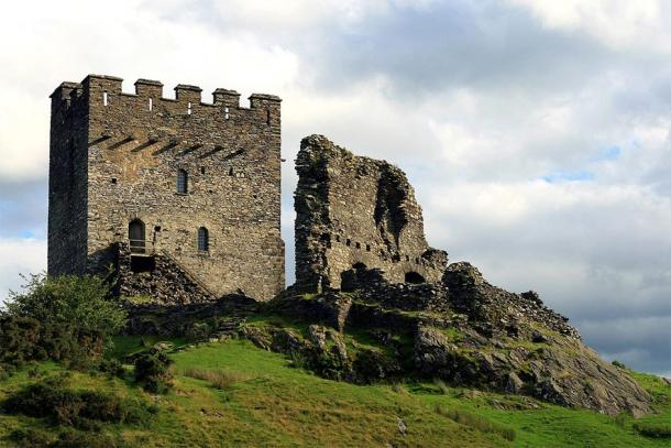 Dolwyddelan Castle was built by Llywelyn; the old castle nearby may have been his birthplace. (Jeff Buck / CC BY-SA 2.0)
