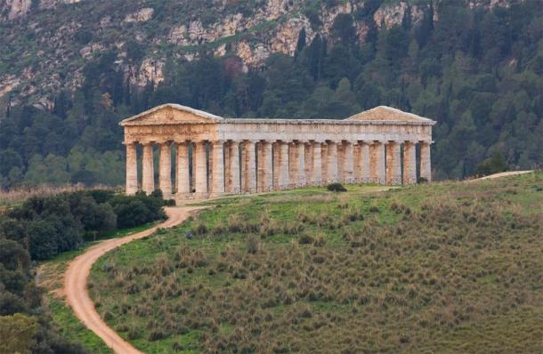 The Doric Temple of Segesta. (Giulio / Adobe Stock)