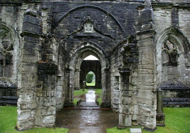 Dunkeld Cathedral, Dunkeld, Perth and Kinross, Scotland - south porch. (Otter / CC BY-SA 3.0)