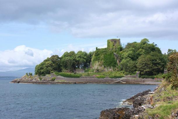 Dunollie Castle.