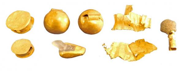 Early Minoan II and Middle Minoan IA beads and bands of gold. (Image: Culture.gr)
