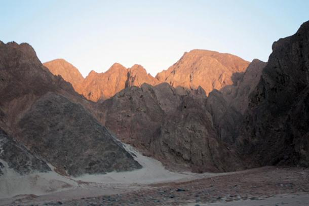 A close view of Eastern Desert mountain range along the Safaga-Qena Road.