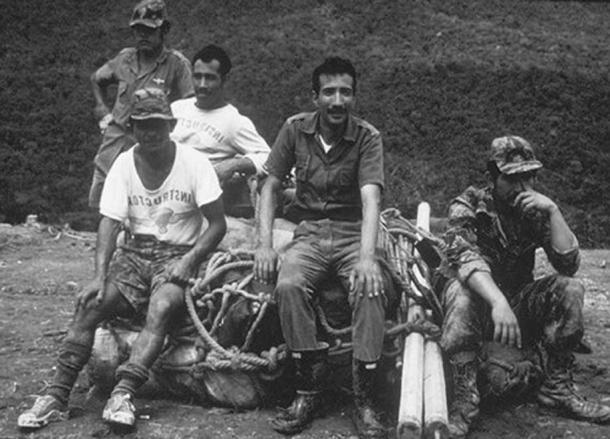 Ecuadorian Special Forces at the Cave Site. (bibliotecapleyades.net)