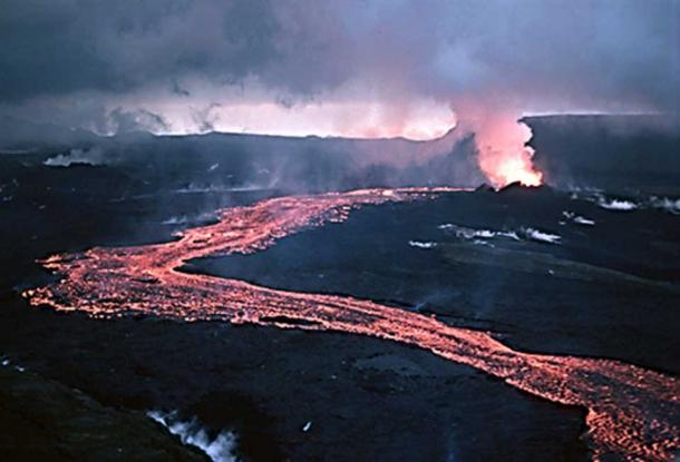Effusive eruption of lava from Krafla, Iceland. (Public Domain)