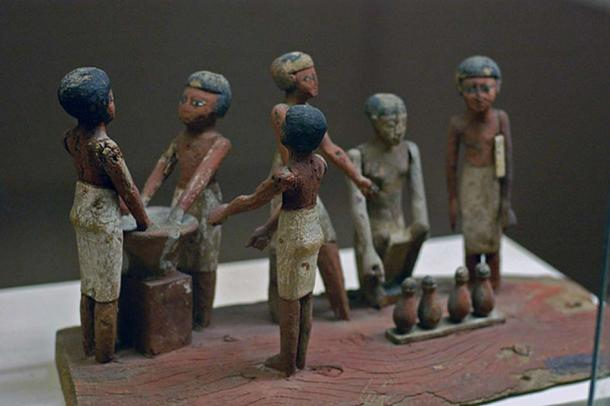 Egyptian wooden model of beer making in ancient Egypt (E. Michael Smith Chiefio / CC BY-SA 3.0)