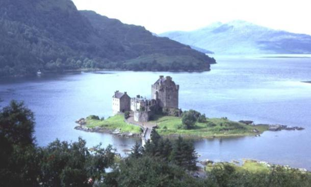 Eilean Donan Castle. The castle is set at the meeting point of three sea lochs (Long, Duich and Alsh)