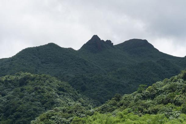 El Yunque view from Yokahu Tower on a clear day, mountain forests of Puerto Rico. (CC BY-SA 4.0)