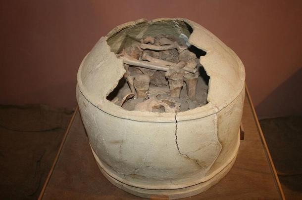 Elamite burial container in Heft Tepe museum.
