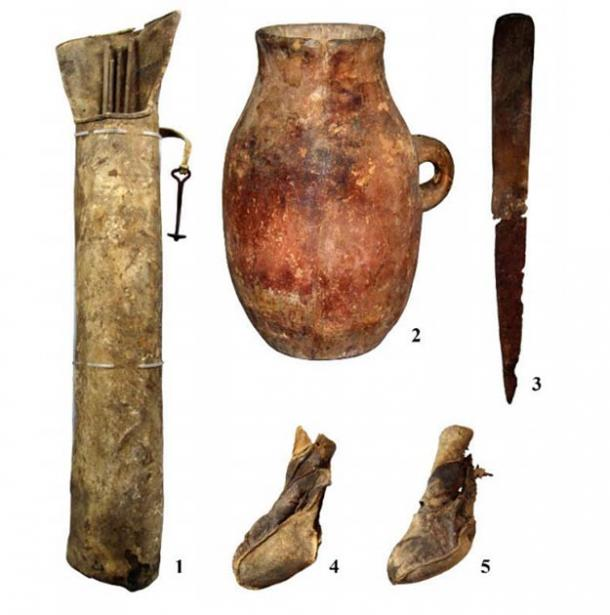 Elements of equipment and household items recovered from the cave. 1: A quiver with a hook; 2: a vessel; 3: a knife; 4 and 5: shoes. (Nikolai Seregin / CC BY-SA 4.0)
