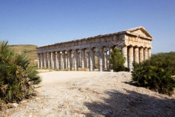 The Elymian temple at Segesta, Sicily. (Oliver Taylor /Adobe Stock)