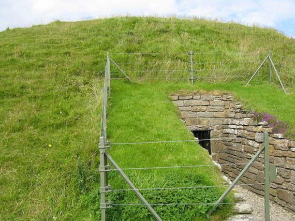 Entrance to Maes Howe in Scotland (Public Domain)
