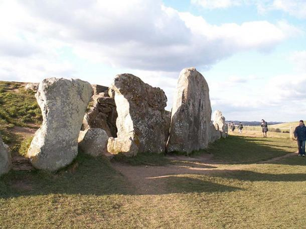 Entrance to the West Kennet Long Barrow, in the same region as the new excavation in Wiltshire.