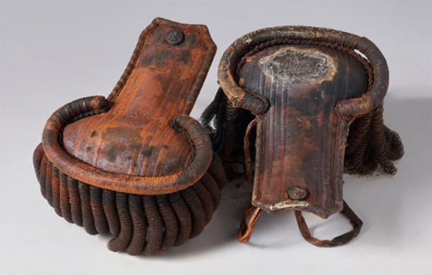 Epaulets from an officer's uniform pulled from the HMS Erebus wreckage. (Parks Canada)