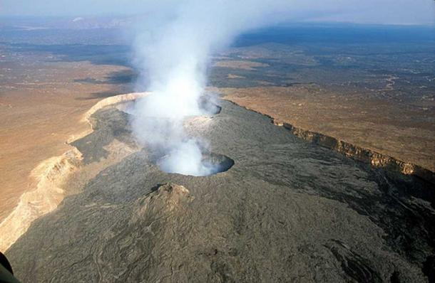 Erta Ale is an active shield volcano located in the Afar Region of northeastern Ethiopia, within the Danakil Desert.