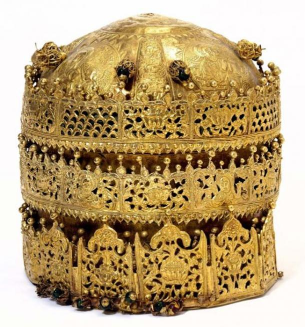 This Ethiopian crown is admired for its filigree designs and religious embossed images. (Victoria and Albert Museum)