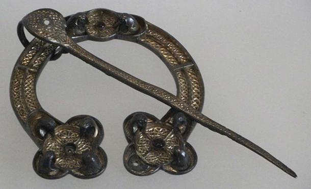 Example of a Celtic Penannular brooch, Museum of Scotland. (CC BY-SA 3.0)
