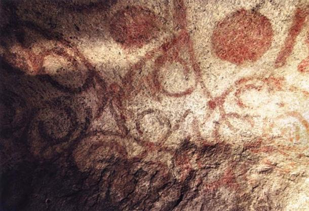 Example of red ochre spiral cave paintings in the Hypogeum. (Damien Entwistle/CC BY NC 2.0)