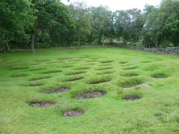 Example of Roman Lilia at Rough Castle, Antonine Wall. (Kim Traynor / CC BY SA 2.0)