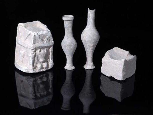 Examples of cultic vessels uncovered in one of the structure's rooms (Image: Clara Amit, Israel Antiquities Authority)