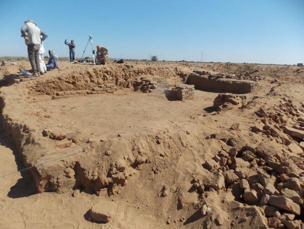Excavating the site of Abu Erteila, Sudan in 2015.