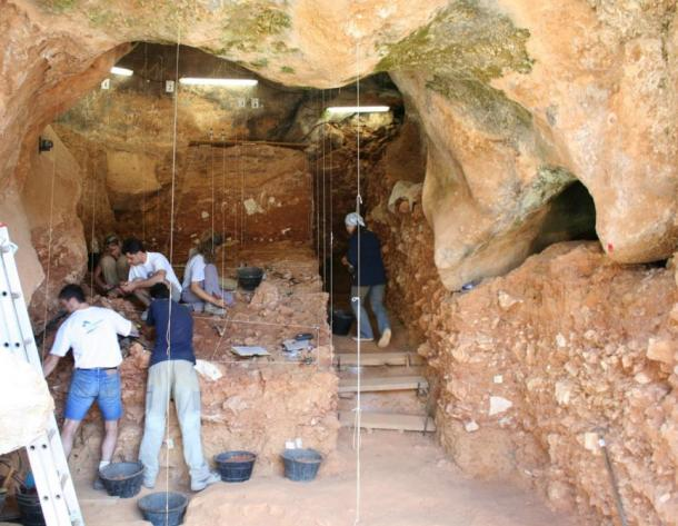 Excavation site where the Neanderthal teeth were discovered