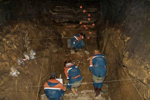 Earthwork in the Eastern Chamber of Denisov Cave, Russia. (Author: Bens Viola, Max Planck Institute for Evolutionary Anthropology)