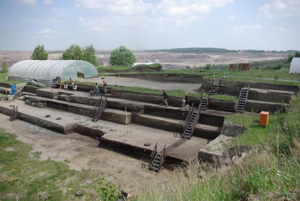 Excavation site Schöningen. (Image: Jordi Serangeli, Schöningen Research Station / Tubingen University)