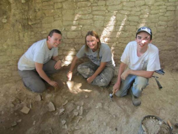 Excavations at Baking Pot, Belize, with team members Claire Ebert of Northern Arizona University, Julie Hoggarth, Ph.D., of Baylor University, and Sean Carr. Credit: Baylor University