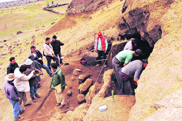 Excavations have been happening on the island for over a decade now. (La Tercera)
