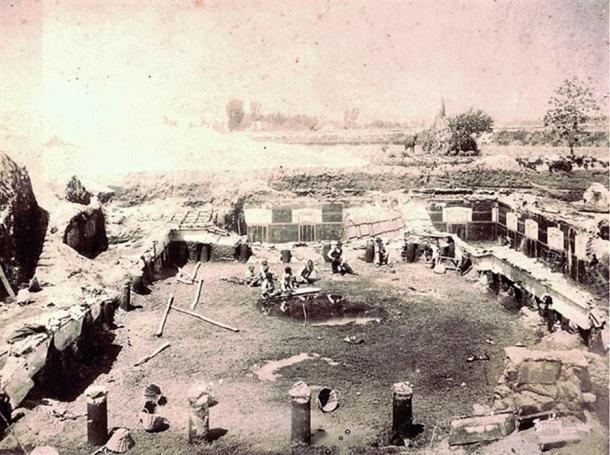 Excavations of Pompeii by Gennaro Matrone in 1900.