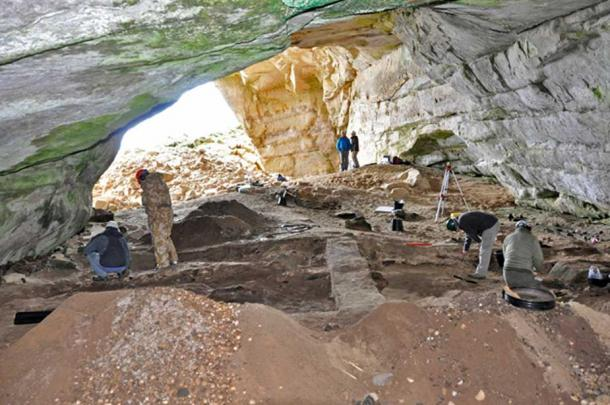 Excavations taking place in Coversea 'Cave 2', 2015.