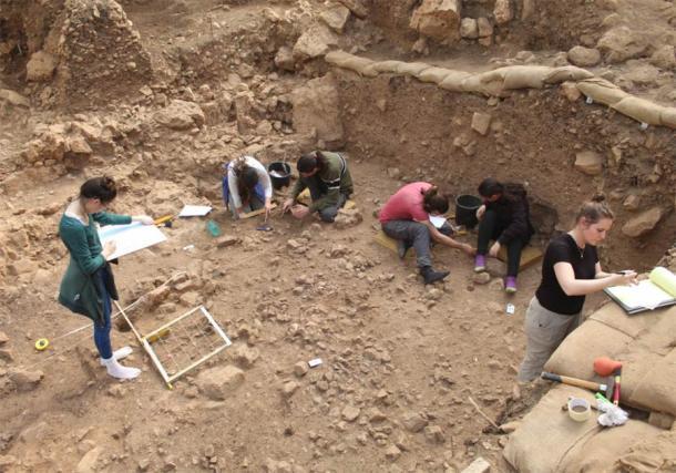 Excavations at el-Wad Terrace in the Carmel. (Reuven Yeshurum / University of Haifa)