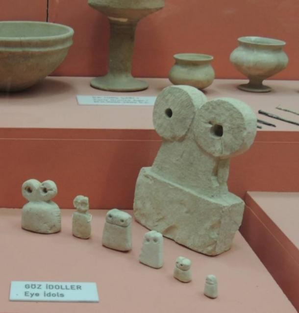 Eye idols currently at the Şanliurfa Museum.