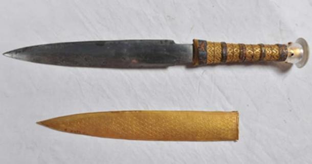 Fallen star sword. (Daniella Comelli/University of Pisa)