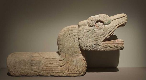 Feathered snake, ancient post-classic era, 900 - 1250 AD, limestone. From Chichén Itzá, Yucatán, Mexico (CC by SA 1.0)
