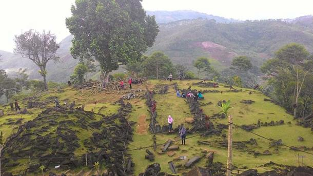 Fifth terrace of Gunung Padang Megalithic Site. (Beeyan / CC BY-SA 3.0)