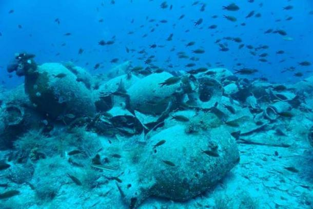 Findings at the shipwreck of Fournoi, Delos Photo Credit: Ministry of Culture and Sports