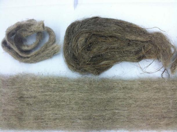 Flax fiber in different forms (CC BY-SA 4.0)