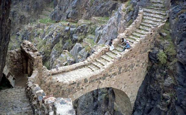 Footbridge in Shaharah, Yemen