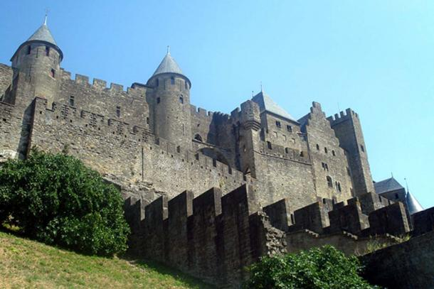 Fortified city wall of Carcassonne. (CC BY-SA 3.0)