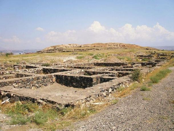 Foundation of ancient town, Karmir Blur, Armenia (Wikimedia Commons)