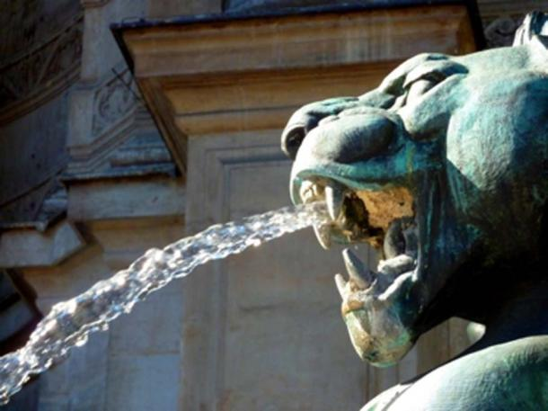 Gargoyles serve as water spouts, architectural gutters. (heju / Public Domain)