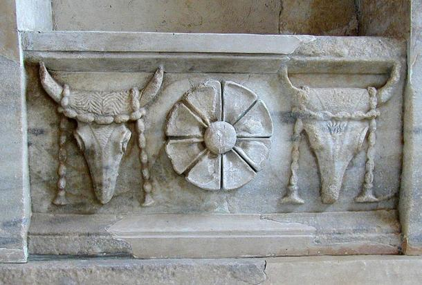 Bucrania. Garlanded bucrania (bull symbolism) on a frieze from the Samothrace temple complex.
