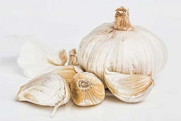 Garlic – this recipe includes lots of it! (CC0)